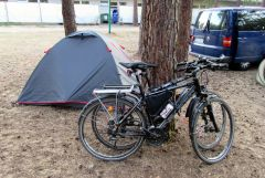 Pole namiotowe na skraju Berlina