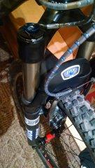Fox F100 series RL ze zmienionym tłumikiem na fit4