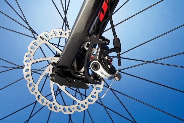 giant_defy_advanced_3_disc_brakes.jpg